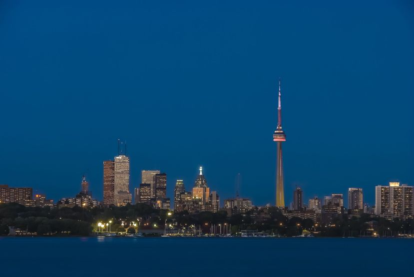 16821302 - toronto skyline stunning view during dusk